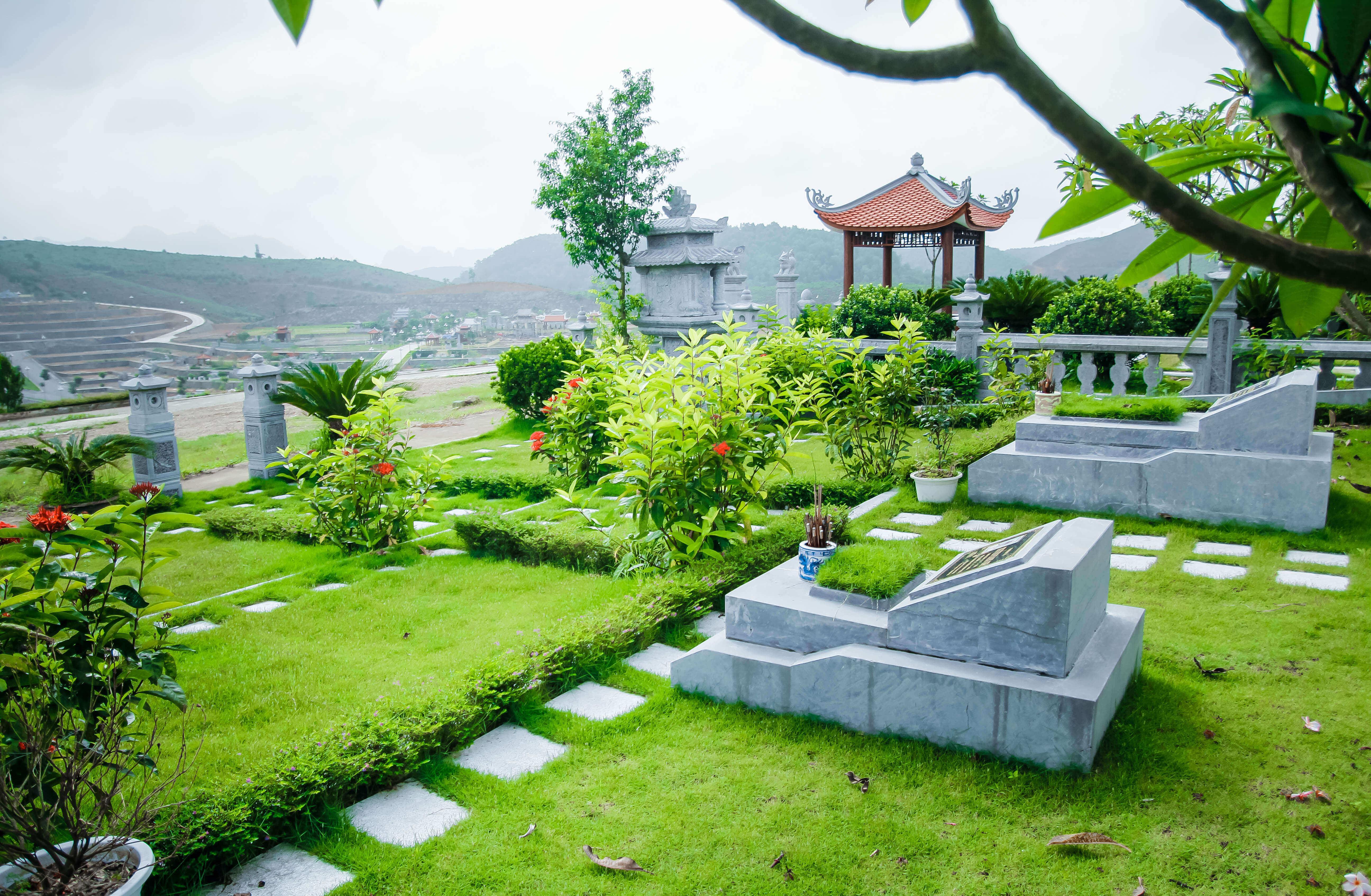 Khuôn viên 102m đồi Kim nghĩa trang lạc hồng viên