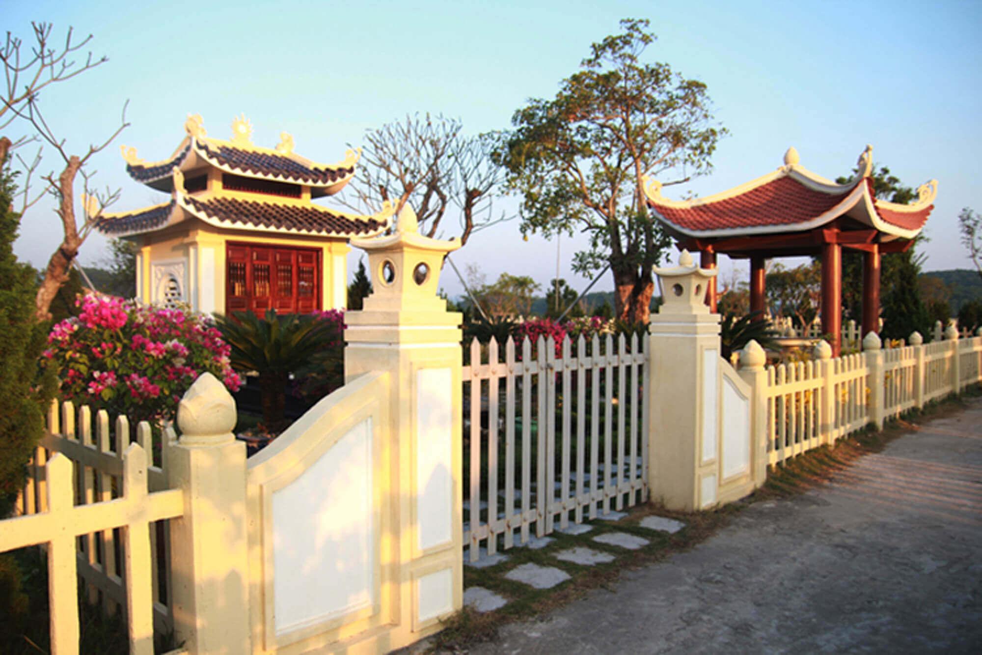 Khuôn viên 150m đồi Kim nghĩa trang lạc hồng viên